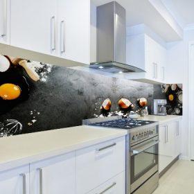 דוגמא של חיפוי זכוכית יוקרתי למטבח