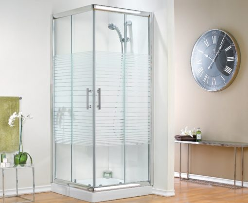 מקלחונים עם פסים