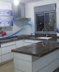חיפוי זכוכית איכותי למטבח