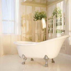 אמבטיית פרי סטנדינג בחדר שינה
